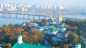 从拉夫拉修道院,乌克兰钟楼的基辅都市风景  影视素材