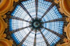 从拉斐特画廊的屋顶的难以置信的彩色玻璃 巴黎 法国 06 / 22/2010 图库摄影