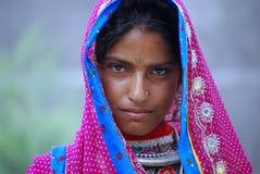 从拉贾斯坦的一个部族游牧女孩 免版税库存图片