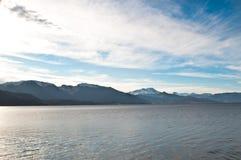 从挪威,下雪的山峰的横向 库存照片