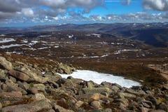 从敏锐的登上的一个看法 Cairngorm山,阿伯丁郡,苏格兰 库存照片