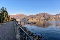 从散步的美丽的景色在梅纳焦镇,伦巴第,意大利 免版税图库摄影