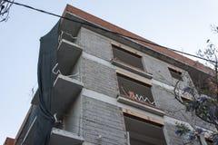 从新的修建的大厦的一个角落 免版税图库摄影