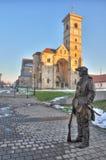 从晨曲Iulia堡垒的圣迈克尔的大教堂 免版税库存图片