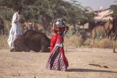 从普斯赫卡尔的小印地安部族女孩 免版税库存照片
