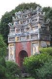 从曲拱的入口到历史的城堡 库存图片