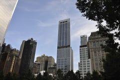 从曼哈顿的9/11爆心投影纪念公园摩天大楼在纽约美国 库存图片