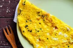 从有机自由放养的鸡蛋的煎蛋卷 免版税图库摄影