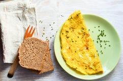 从有机自由放养的鸡蛋的煎蛋卷 库存照片