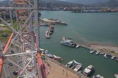 从格鲁吉亚度假胜地巴统的堤防弗累斯大转轮的看法  图库摄影