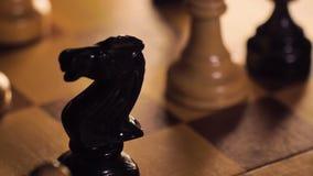 从棋盘去除的Bitcoin模型与西洋棋棋子宏指令 影视素材