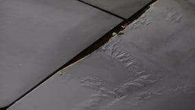 从水泄漏的损坏的天花板 股票录像