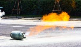 从汽油箱的气体火焰 库存照片