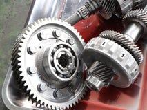 从汽车传输的齿轮零件 库存照片