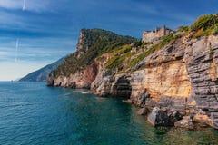 从波尔托韦内雷观看的风景在五乡地,意大利附近 库存图片