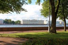 从海军部堤防的看法 圣彼德堡 库存图片