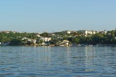 从海湾的一个看法在传奇俄国城市的北部部分 免版税库存图片