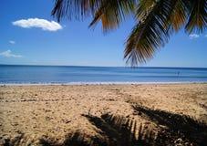 从海滩的午间波多里哥 免版税库存照片