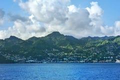 从海的金斯敦视图 小船旅行 Sant文森特和石榴汁糖浆 免版税图库摄影