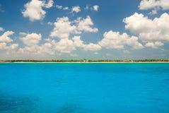 从海的Tulum 免版税库存照片