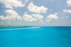 从海的Tulum 免版税库存图片