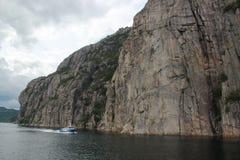 从游轮的惊人的海湾视图在挪威/斯堪的那维亚 免版税库存照片