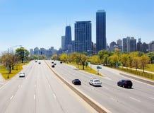 从湖岸驱动器的芝加哥摩天大楼 库存图片