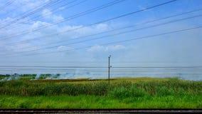 从火车的乡下风景 免版税库存图片