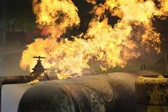 从煤气管燃烧的火 免版税库存图片