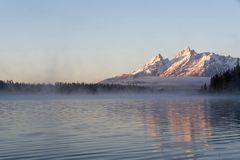 从犁头海湾的Teton范围 免版税库存图片