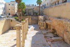 从犹太处所的166/5000以色列,耶路撒冷视图,在地下被挖掘的22米长大街上叫Cardo从 免版税库存照片
