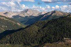 从独立通行证14,361观看的拉普拉塔峰顶 免版税库存照片