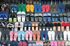 从琅勃拉邦的手工制造老挝人工艺鞋子 免版税库存图片