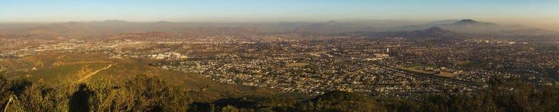 从登上Cowles使命足迹的圣地亚哥县全景风景 免版税库存照片