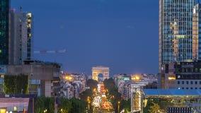 从盛大曲拱的看法在国防产业区对对夜timelapse,巴黎,法国的弧de Triumph天 影视素材