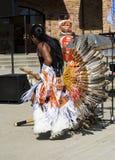 从秘鲁的艺术家进行民间舞在手段在Krasnaya P 免版税图库摄影