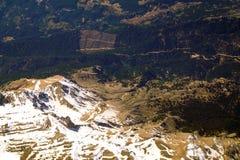从积雪的金牛座山的鸟瞰图在火鸡 库存照片