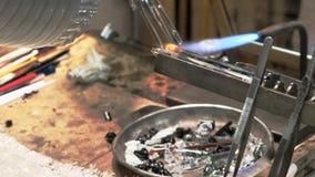 从穆拉诺岛的一名主要玻璃工人 影视素材
