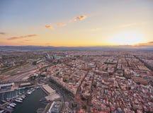 从空气的看法到巴伦西亚海口在日落期间的 西班牙 免版税库存图片