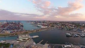 从空气的看法到巴伦西亚海口在日落期间的 西班牙 股票视频