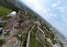 从空气的看法在老和新的俄国大厦在绿地 库存照片