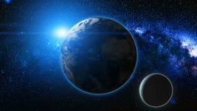 从空间的日出视图行星地球和月亮上 免版税图库摄影