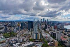 从空间针观测台的街市西雅图 免版税图库摄影