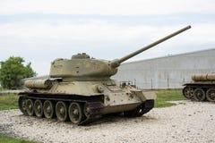 从第二次世界大战的老年迈的苏联坦克 免版税库存图片