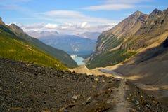 从维多利亚冰川的Lake Louise 免版税库存照片