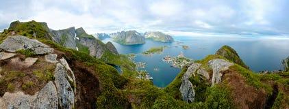 从罗弗敦群岛海岛,挪威的一幅全景 库存照片