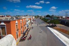 从老墙壁的看法在坎比其,墨西哥 免版税库存图片