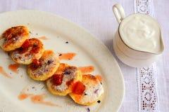 从自创酸奶干酪用柑橘糖果, saf的乳酪蛋糕 库存照片