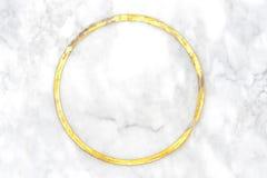 从自然白色大理石的抽象高雅背景与金子 免版税库存图片