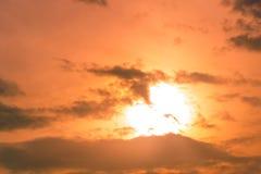 从自然的美好的光在每天日落 库存照片